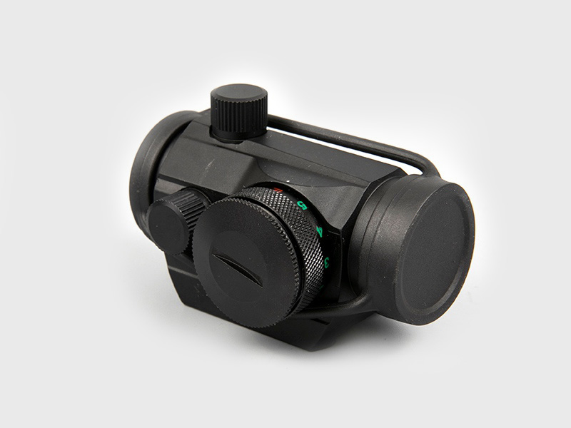 The main difference between traditional second-generation + night vision and infrared thermal imaging night vision